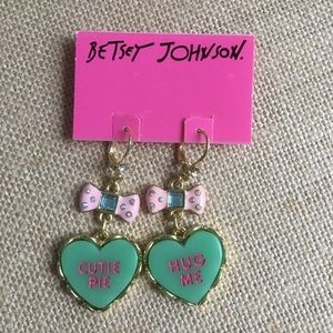 NWT Betsy Johnson heart charm earrings /pierced